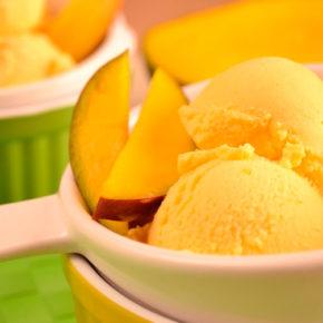 Helado casero artesanal de mango