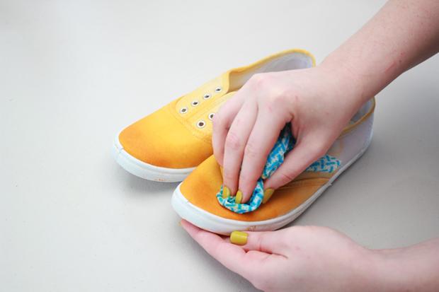 Teñir zapatillas
