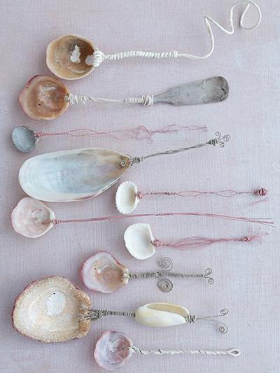 Como hacer tus propios cubiertos y cucharas con conchas marinas y almejas