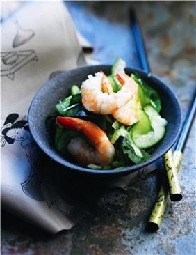 Ensalada japonesa de pepino y gambas