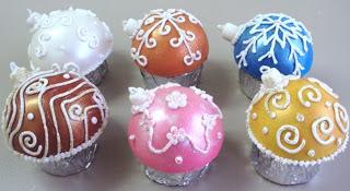 Adorno esferas de cupcakes para el arbol de navidad