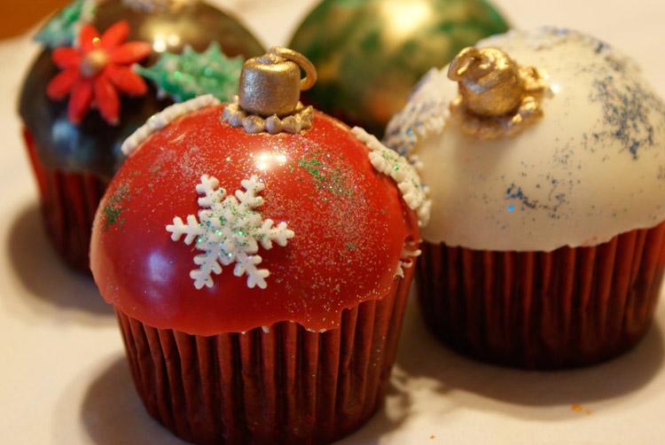 Como Hacer Los Cup Cakes Con Las Bolas De Navidad