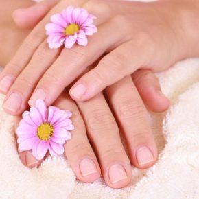Cómo hacer crema suavizante para las manos