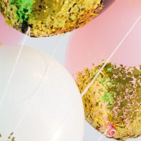 Decorando globos con confetti