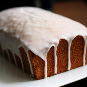 Como hacer un glaseado blanco para bizcochos y tartas