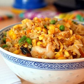 Receta del arroz frito al estilo tailandés